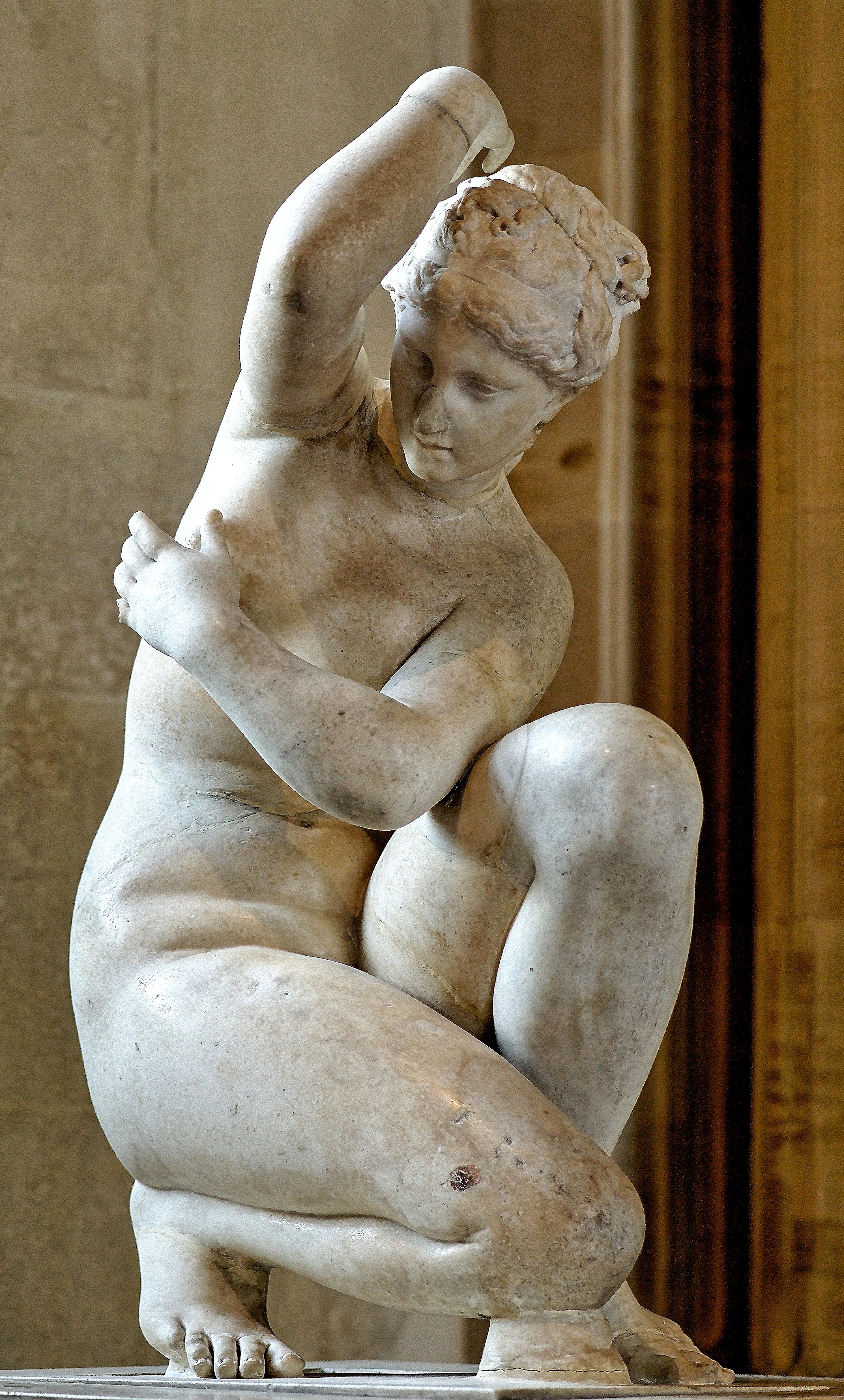 Crouching Aphrodite, Musee du Louvre, Paris, France, Aphrodite Accroupie, 5