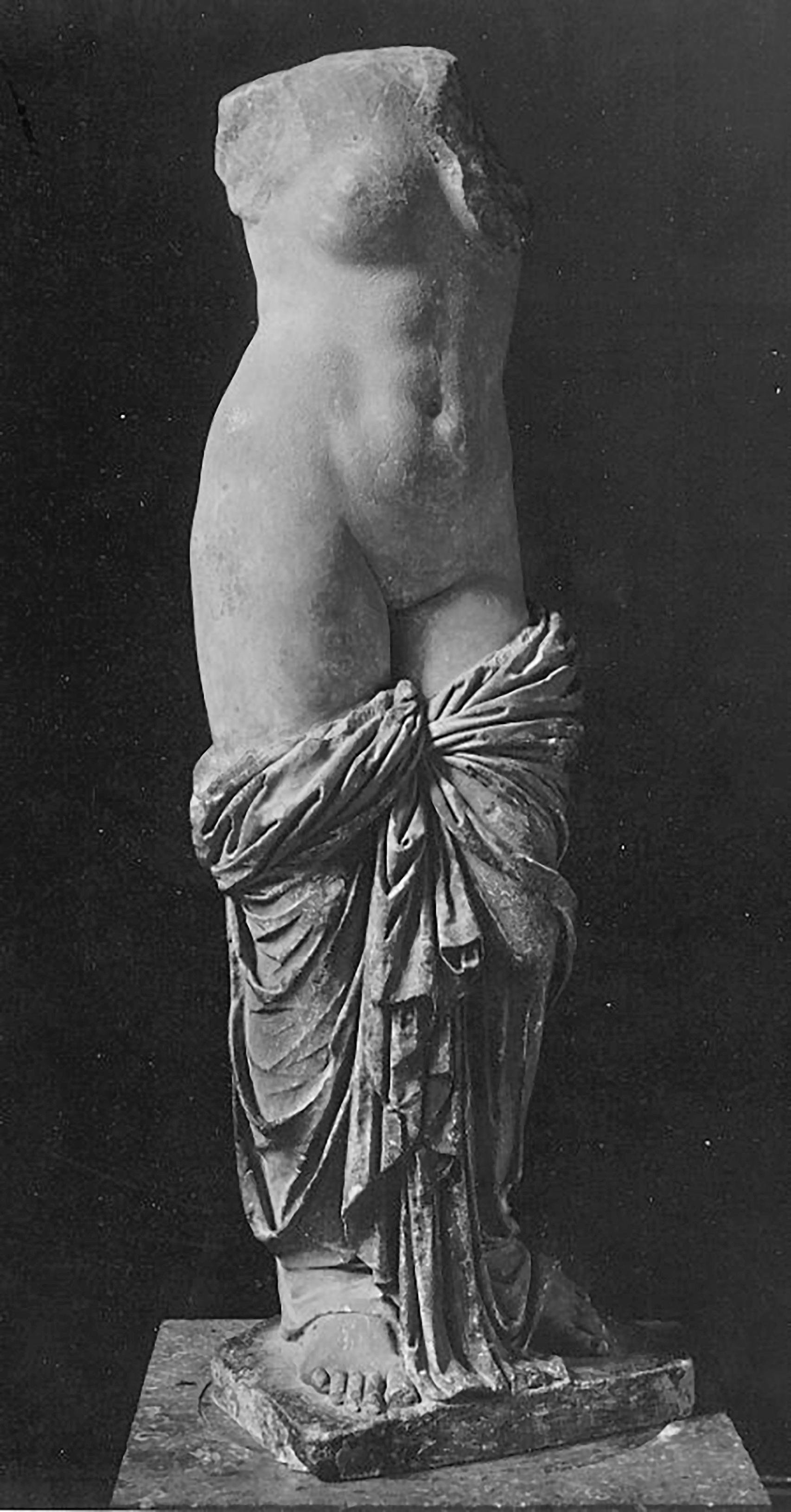 Aphrodite von Sinuessa, 1c