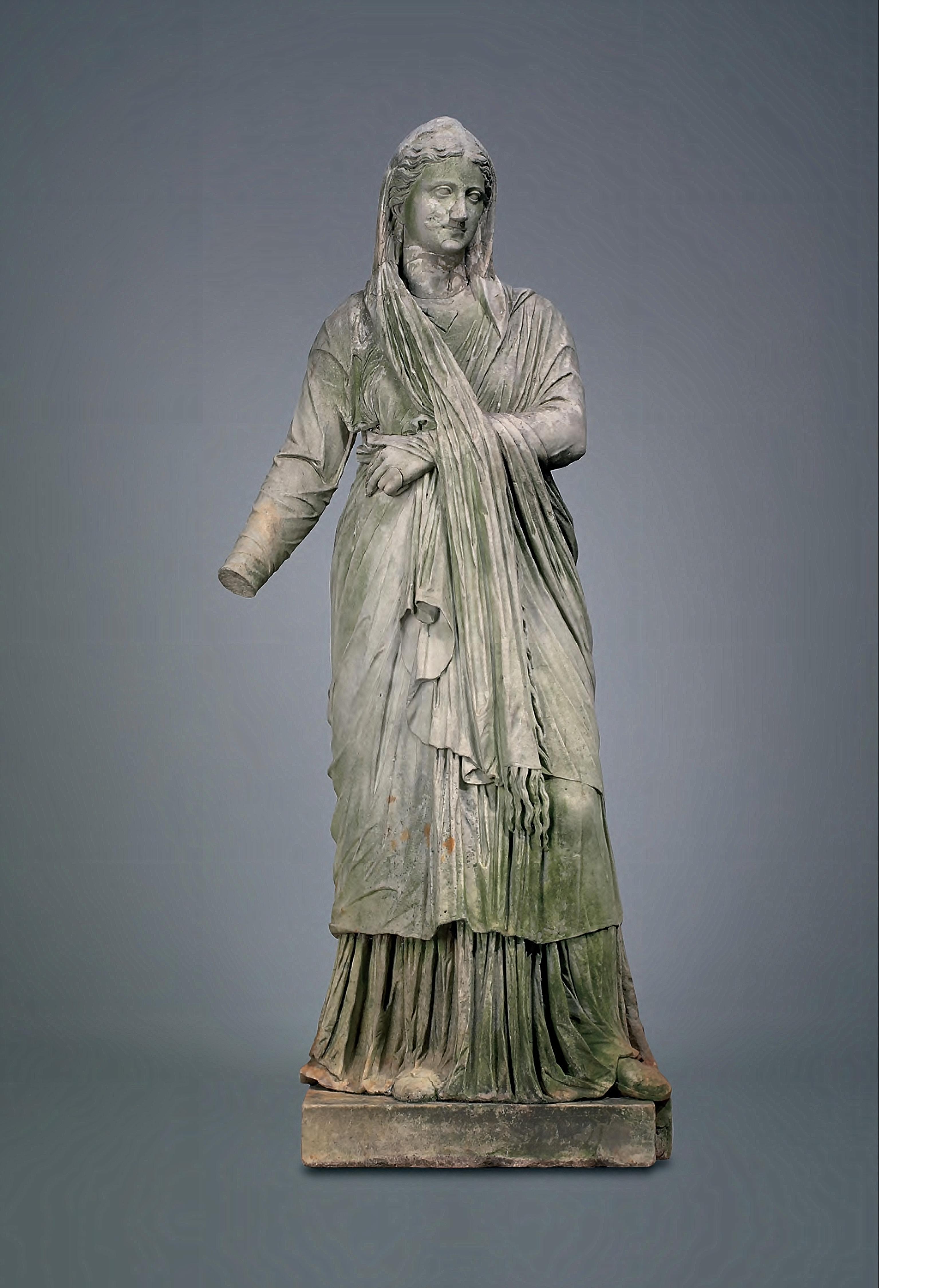 Figure_of_a_Woman_Roman_1st_century_BC_early1st_century_AD_Marble_YaleUniversityArtGallery1