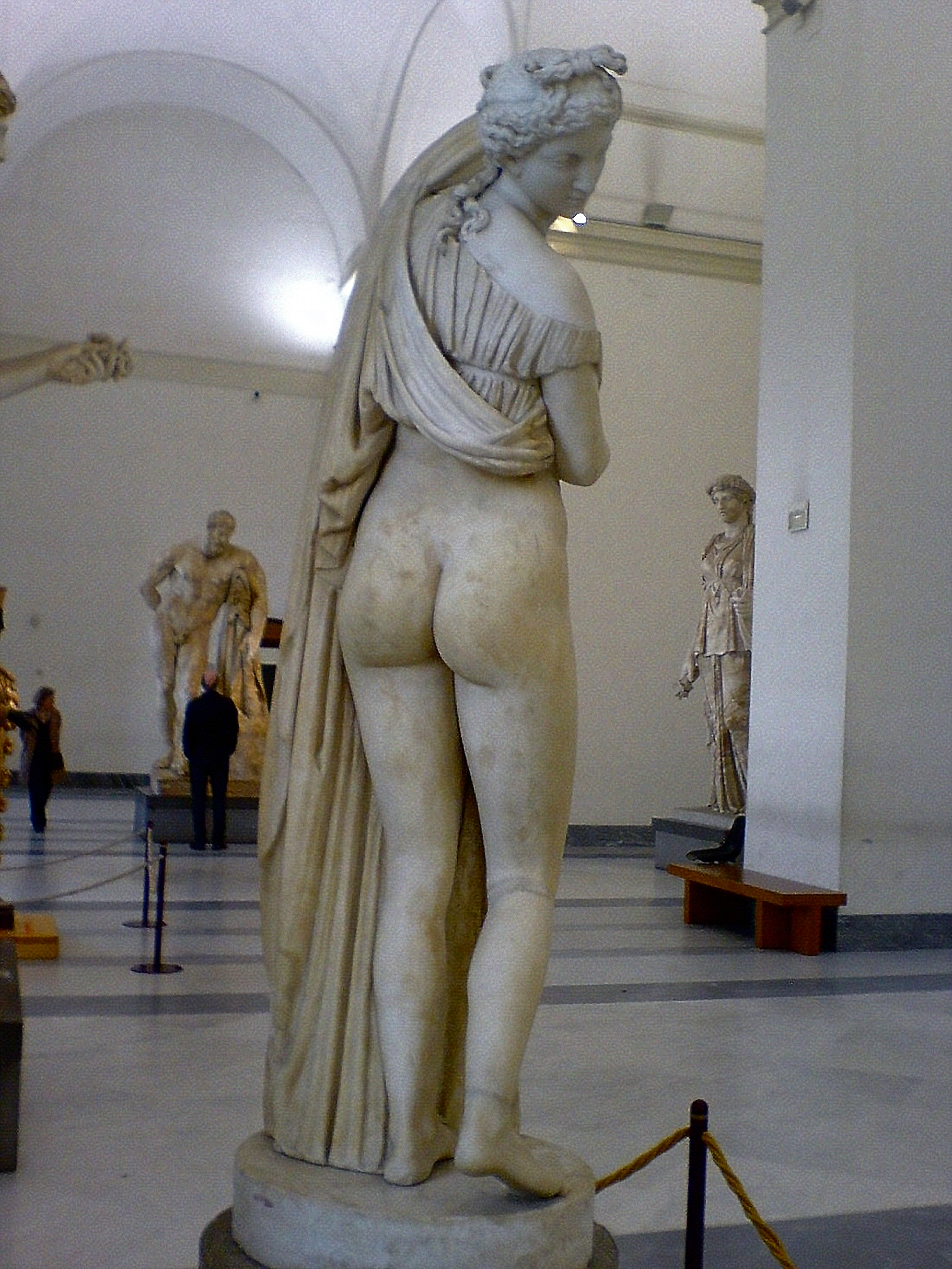 Restoration of the sculpture Venus Kallipygos in the Naples National Archeological Museum, restoration on the Greco-Roman / Hellenistic original added by the sculptor Carlo Albacini (1739? — after 1807)