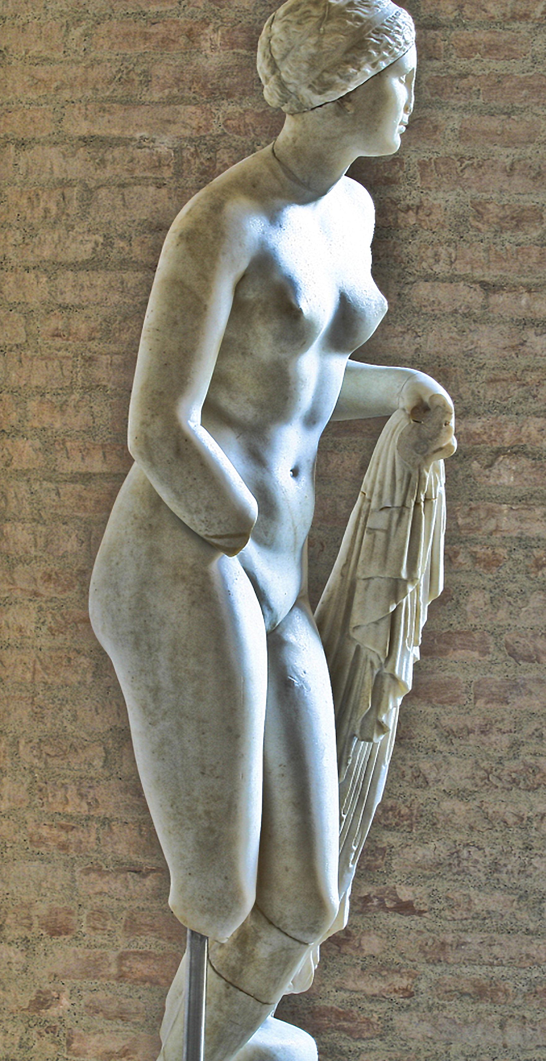 Aphrodite Munich Glyptotek 2, C