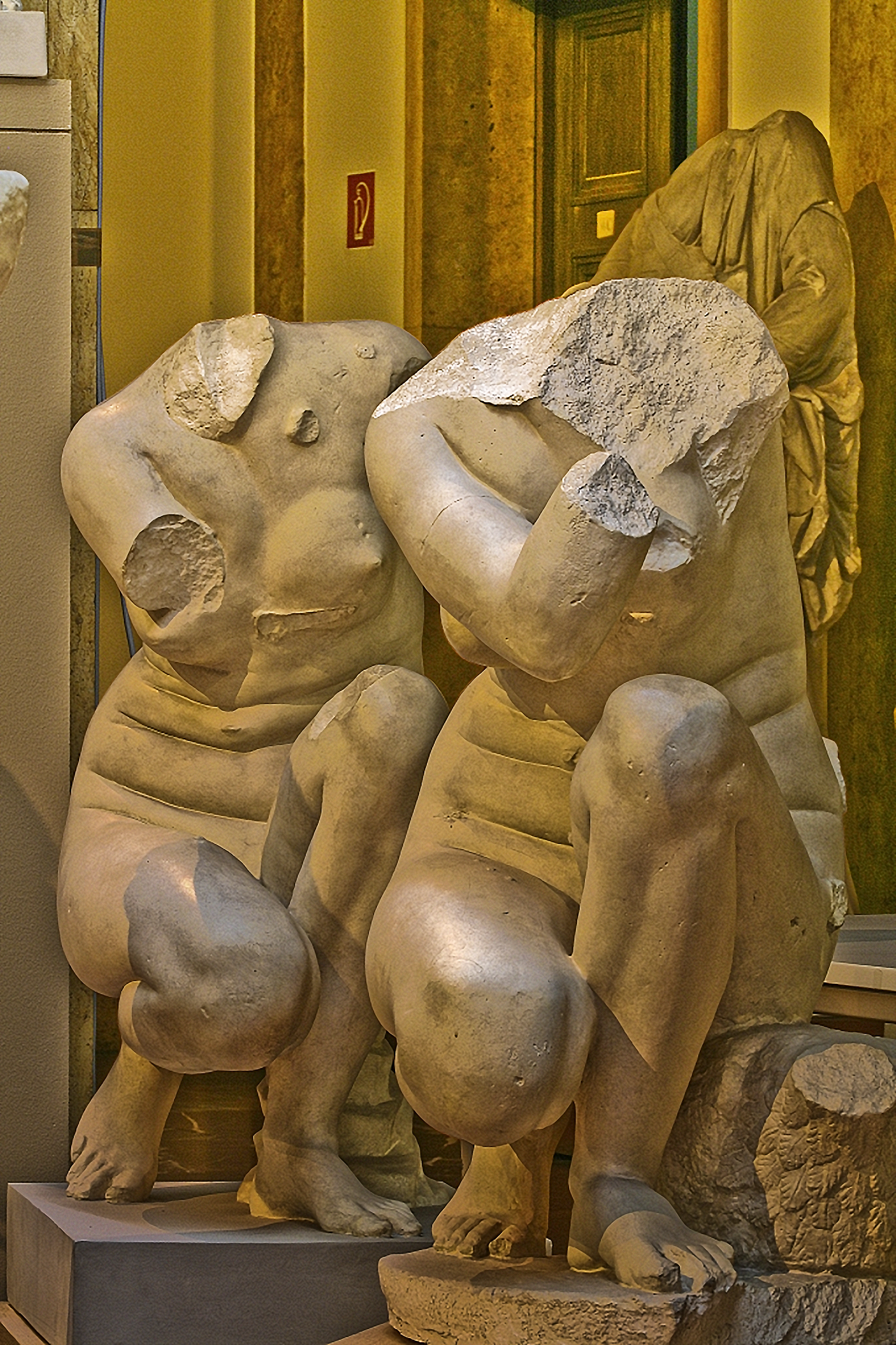 Crouching Aphrodite, 1,B & 2,B, Munich Plaster Cast Collection