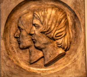 Portrait Relief of Clara and Husband Robert Schumann, - Doppelmedaillon von Ernst Rietschel, bildhauer, Dresden